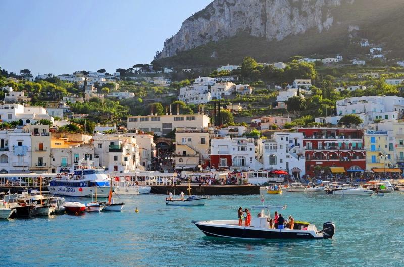 Экскурсионная Италия на майские: Неаполь-Помпеи-Капри-Сорренто-Бари…